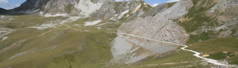 Maira-Stura-Kammstraße: Einfahrt von Südosten vom Colle Valcavera