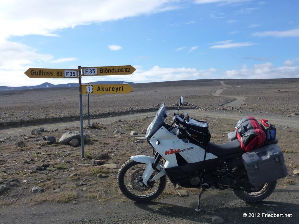 Kreuzung nach Hvravellir